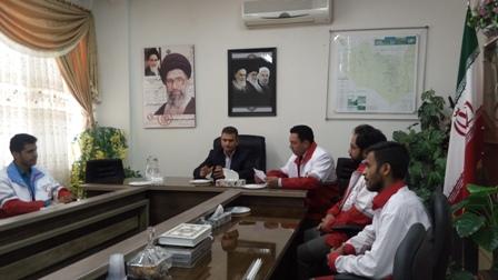 ديدار امدادگران هلال احمر با فرماندار به مناسبت روز جهاني صليب سرخ و هلال احمر